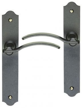 Poign e de porte int rieure rustique en fer forg patin for Poignee de porte en fer forge