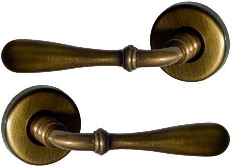 Poign e de porte int rieur en laiton patin sur rosace - Poignee de porte ronde en bois ...