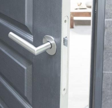 poign e de porte velox fix en inox sur rosace ronde bdc mod le alba poign e de porte. Black Bedroom Furniture Sets. Home Design Ideas