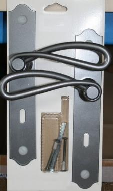 Poign e de porte int rieure rustique en fer forg patin sur plaque cl l entraxe 195 mm for Poignee de porte exterieur fer forge